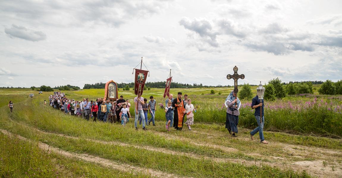 Крестный ход с чудотворной иконой св.вмц. Параскевы-Пятницы